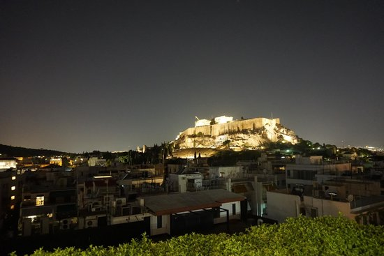 The Athens Gate Hotel: View of the acropolis from the rooftop restaurant