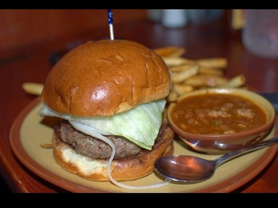 Babe's Bar-B-Que Grill and Brewhouse: Hamburger