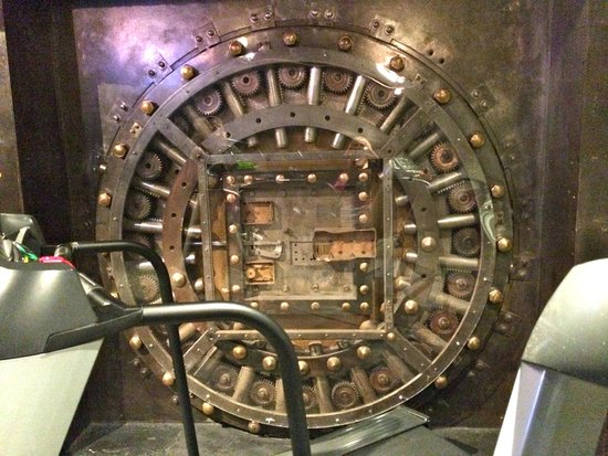 Madison Hotel: gym - in an old bank vault!