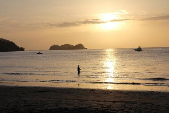 Hotel Bosque del Mar Playa Hermosa : beautiful sunsets