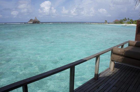 Anantara VeliMaldivesResort : View of Baan Huraa from our deck