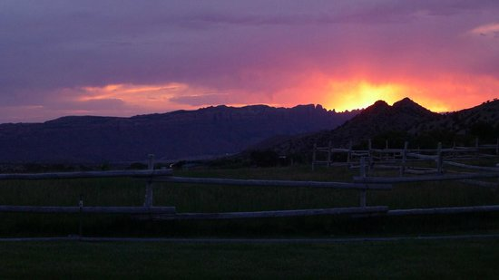 Pack Creek Ranch : Sunset view from the ranch