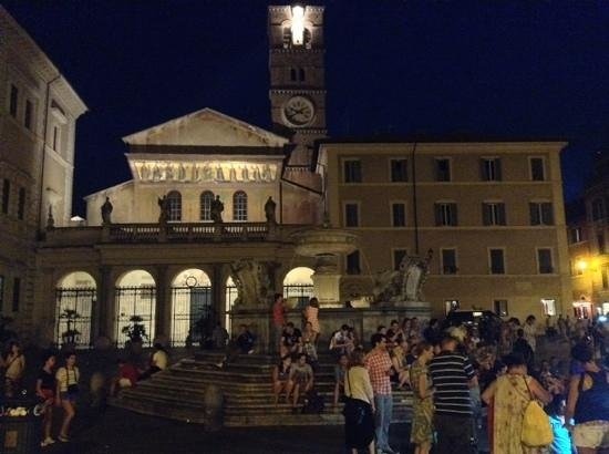 Santa Maria in Trastevere: the chruch and the square