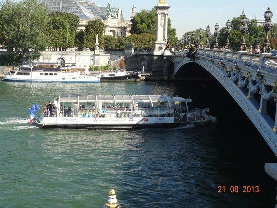 Pont Alexandre-III : vista desde las confiterias