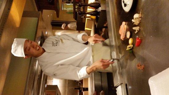 Hotel Okura Amsterdam: Skillful Japanese Chef