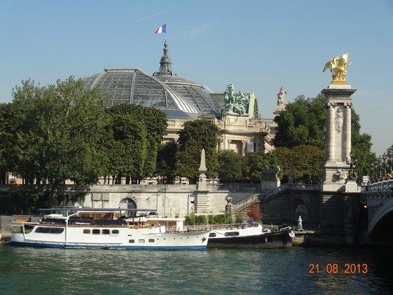 Pont Alexandre-III : vista del paisaje que se divisa desde el puente