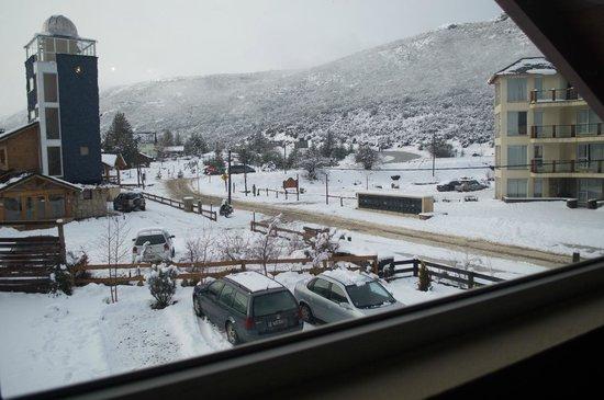 Ski Sur Apartments: Janela do quarto casal