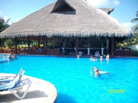 El Dorado Royale, by Karisma: The Pool