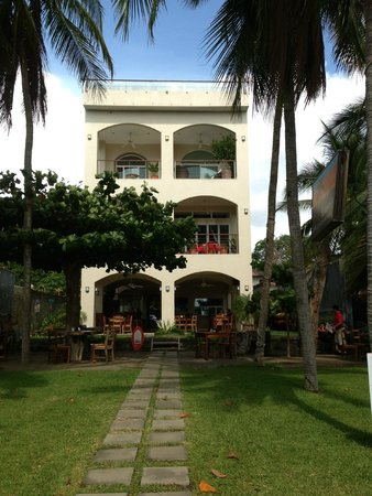 La Gaviota Tropical: Looking at the B&B from the beach