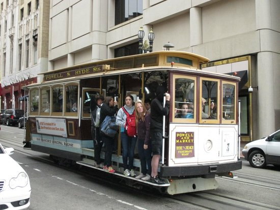 Chancellor Hotel on Union Square : The Cable Car outside the front door of The Chancellor Hotel