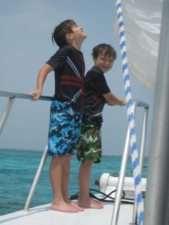 Stingray Sailing: boys enjoying the gentle sailing