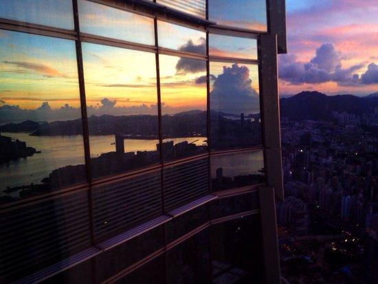The Ritz-Carlton, Hong Kong: Sunset