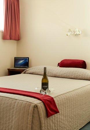 Bavarian Motel: Standard Bedroom