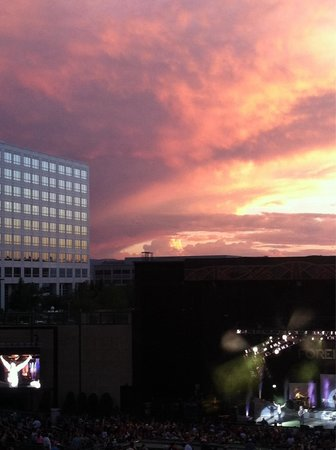 Fiddler's Green Amphitheatre: Foreigner/Styx at sunset