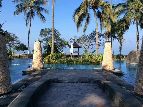 Sheraton Senggigi Beach Resort : Pool view - wow!