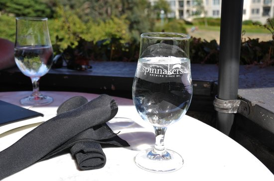 Spinnakers Brewpub and Guesthouses: great patio