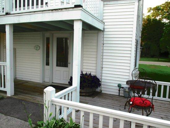 Lodgings at Pioneer Lane : Front door of Bill's Room