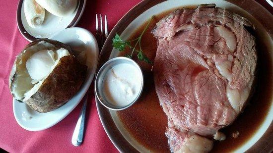 Bentley's Restaurant & Pub : 12 oz Prime Rib w/Baked Potato