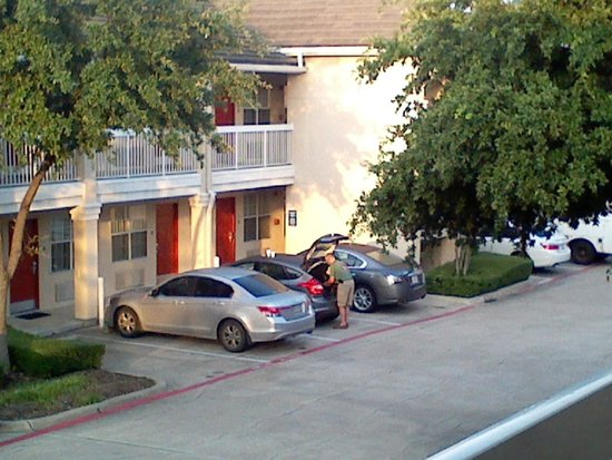 Extended Stay America - Dallas - Las Colinas - Carnaby St.: parking