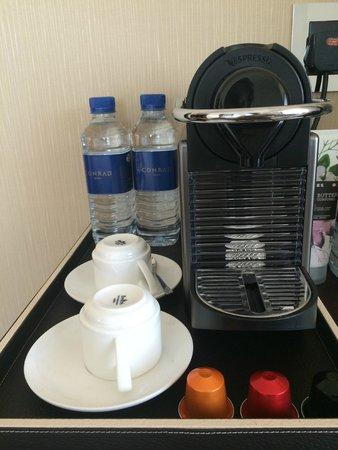Conrad Dubai: Daily water and Keruig area in room