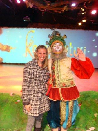 Espetáculo Korvatunturi: Foto com artista no final da apresentação
