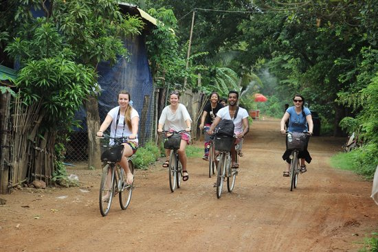 Battambang Resort : The team can organise a map and they have maps for local rides