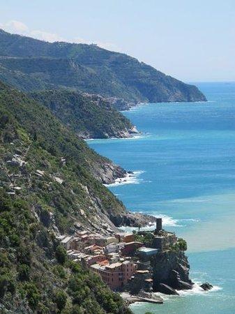 Footpath Monterosso - Vernazza: It was so pretty, I cried!