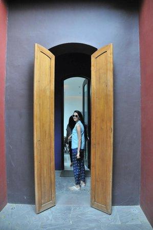 Dusit Devarana New Delhi: Spa Entrance