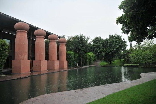 The Roseate New Delhi: dinning entrance