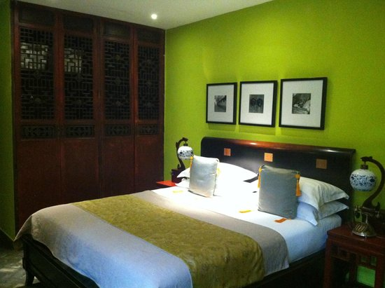 Hotel Cote Cour Beijing: Bedroom n traditional Chinese