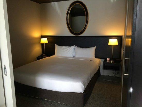 DoubleTree by Hilton Hotel Queenstown: Bedroom