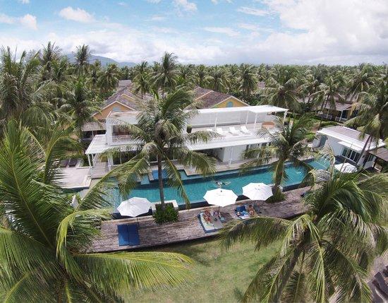 NishaVille Resort: Club House