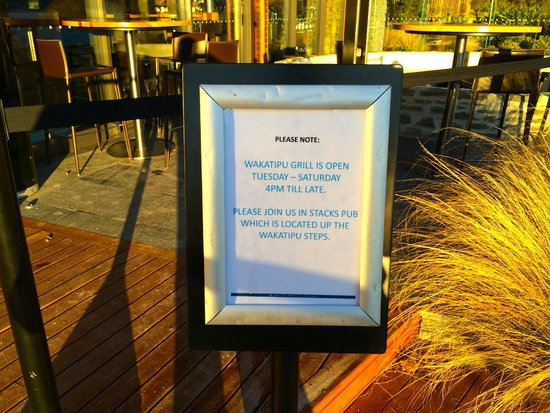 DoubleTree by Hilton Hotel Queenstown: Sign outside resturant