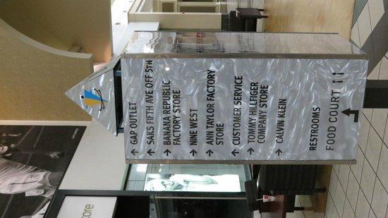Fashion Outlets of Niagara Falls, USA: Sign Board