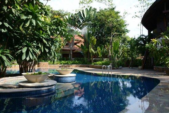 The Tubkaak Krabi Boutique Resort: Pool side