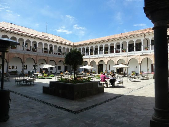 JW Marriott El Convento Cusco: Courtyard