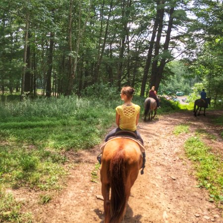 Mountain Creek Riding Stables : On the trail