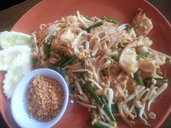 Restauran Jeanette's: Best Phad Thai.. we ordered doubles