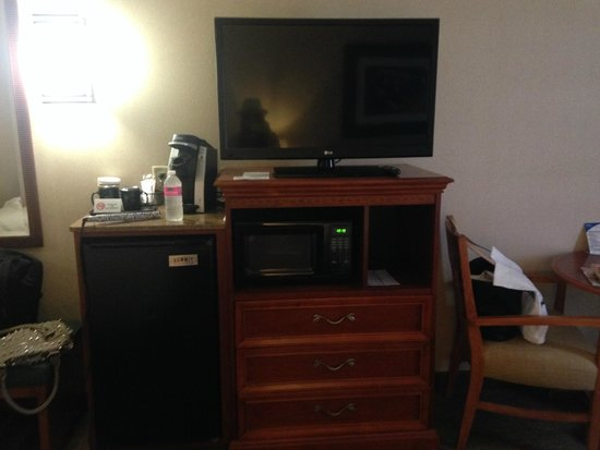Holiday Inn Resort Lake George: Room TV, Fridge, and Keurig