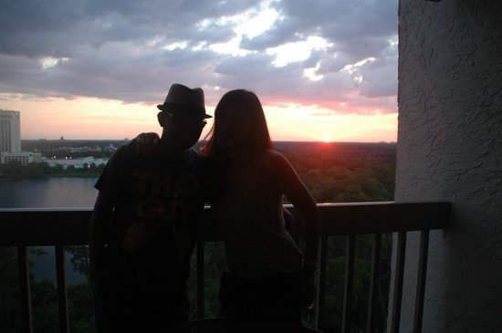 BEST WESTERN Lake Buena Vista Resort Hotel: Relaxing view of the sunset from our room