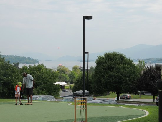 Holiday Inn Resort Lake George: View from the parking lot (lake is located across the hotel and down the road)