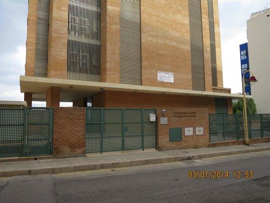 Apartamentos Lido: Вид на здание со стороны улицы