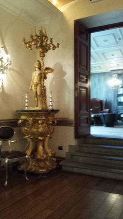 Hotel San Anselmo: Dining area decor