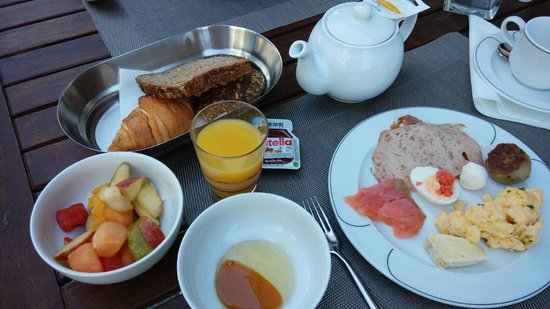 Pullman Dresden Newa: breakfast... (part of it only)