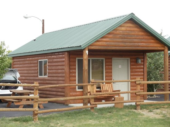 Frontier Cabins Motel : front of the unit