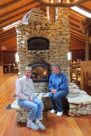 Lazy Bear Lodge : Dining Room