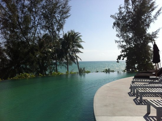 Pullman Phuket Arcadia Naithon Beach : View from the main pool