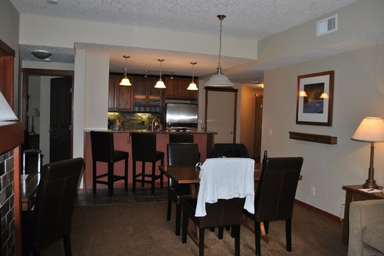 Blackstone Mountain Lodge: Kitchen suite fully equipped