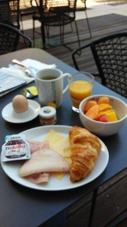 Motel One Berlin-Hauptbahnhof: breakfast