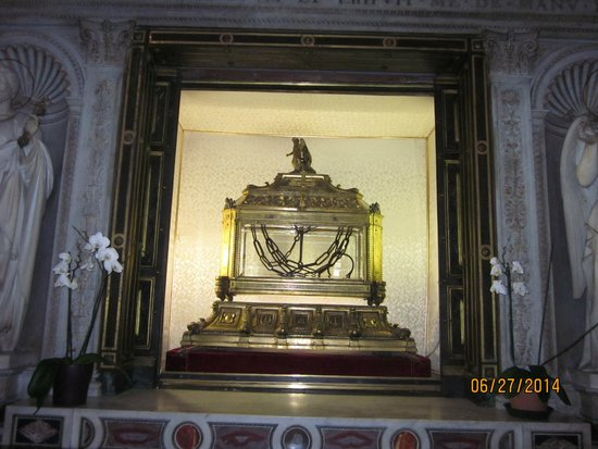 San Pedro Encadenado (San Pietro in Vincoli): Chains said to have been on Saint Peter when he was in prison.